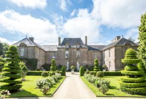 Entrez par la grande porte dans les Jardins de la Ballue sans vous perdre en Bretagne et Ile et Vilaine.